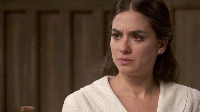 Il Segreto Anticipazioni 30 agosto 2019: Elsa scopre un dettaglio inquietante sul passato di Alvaro
