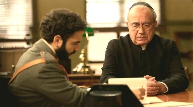 Il Segreto Anticipazioni del 21 settembre 2019: Don Anselmo interrogato da Cifuentes mentre Elsa scopre che Alvaro…
