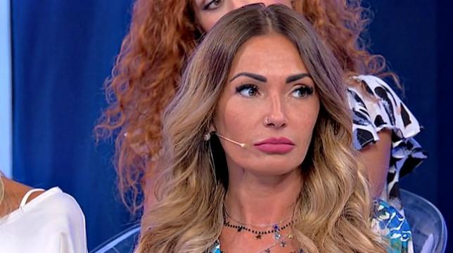 Uomini e Donne, anticipazioni over: Ida e Armando si baciano, la reazione di Riccardo