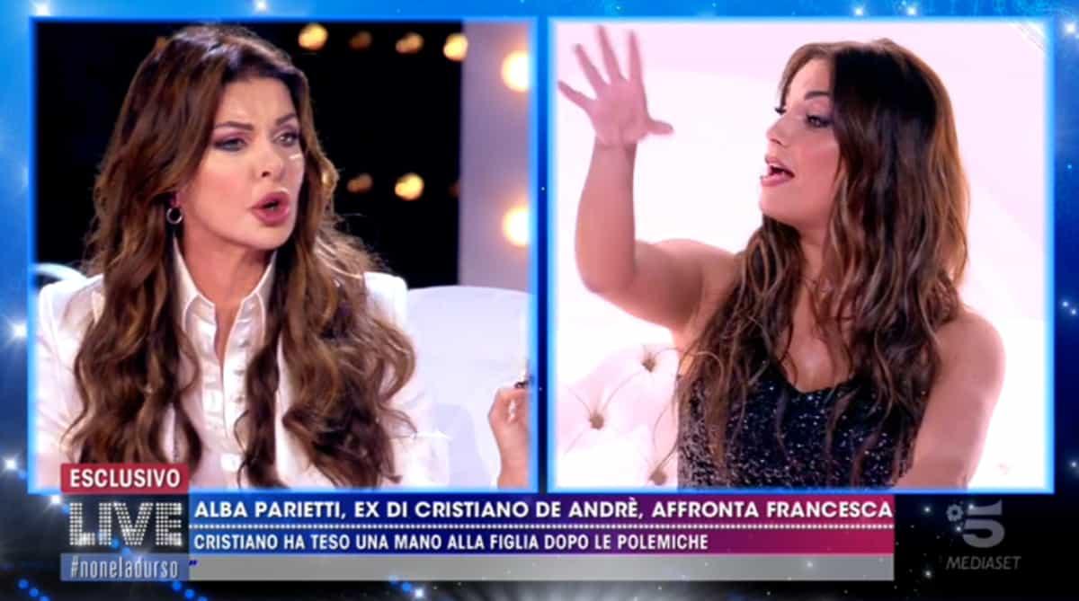 """Live Non è la d'Urso, Francesca De Andrè furiosa contro Alba Parietti: """"Sei una disturbata"""""""