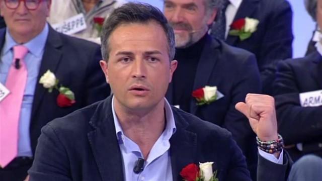 uomini_e_donne_riccardo_scontro_cipollari