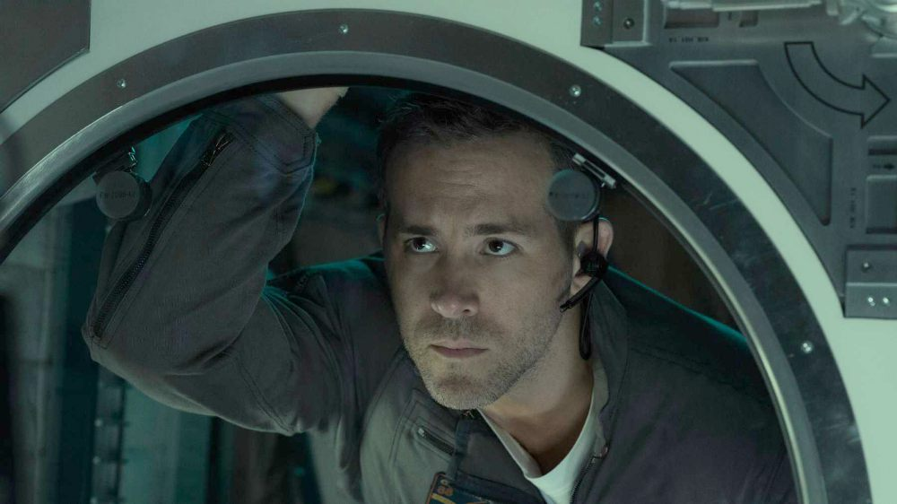 Life: il film sci-fi con Jake Gyllenhaal e Ryan Reynolds in prima tv su Rai 2