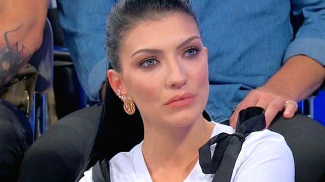 """Uomini e Donne, la confessione di Giovanna Abate: """"Giulio mi toglie qualsiasi certezza"""""""