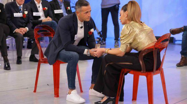 """Galleria foto - Uomini e Donne Trono Over, Ida e Riccardo: """"Ma lo vogliamo mettere questo anello o no?"""" Foto 1"""