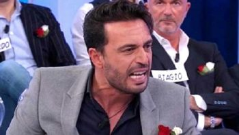 Uomini e Donne, Trono Over in onda oggi: le accuse contro Armando, interviene Maria De Filippi