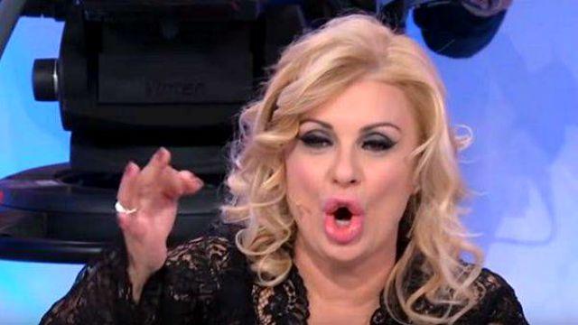 Galleria foto - Uomini e Donne, Trono Over in onda oggi: Tina fa piangere Gemma con il suo gesto Foto 2