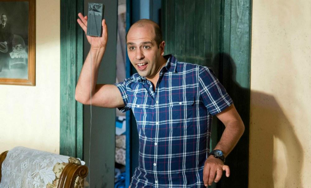 Sole a catinelle: il film comico con Checco Zalone stasera su Canale 5