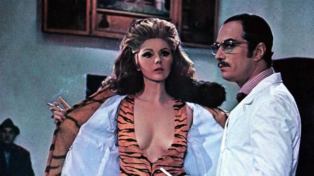 Galleria foto - Vedo nudo: il film stasera su Cine 34 Foto 1