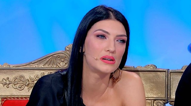 Uomini e Donne, oggi il trono classico: aspro scontro tra Giovanna Abate e Daniele Dal Moro
