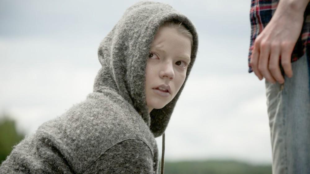 Morgan: il film con Anya Taylor-Joy e Kate Mara stasera su Rai 4